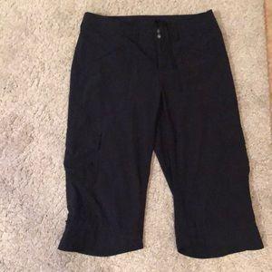 Athleta size 4 black workout pants w/ pockets!EUC